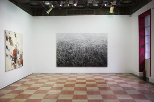 展厅正中央为石至莹的作品,这位艺术家不久前刚在画廊纽约空间举办个展