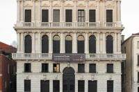 """从1969年到2013年,普拉达基金会再现展览""""当态度变为形式"""",Lucio Fontana"""