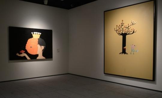 郝朗作品(左)《金鱼王子》高瑀作品(右)《当代艺术是颗摇钱树》