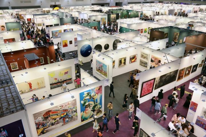 2013年艺术北京展览现场,今年的艺术北京依然会在五一长假期间揭幕