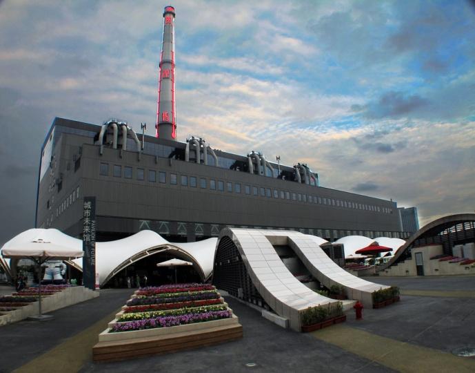 第九届上海双年展举办场地转移到一个由热电厂的旧址所改建的新的当代艺术馆 图片来源:上海双年展官网