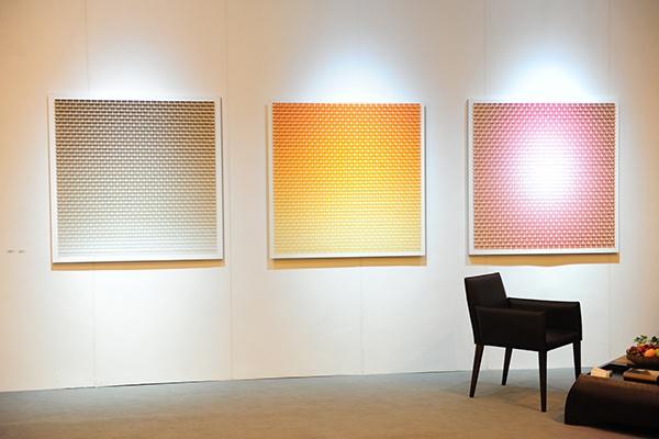 站台中国带去最新合作的艺术家王宁德的作品