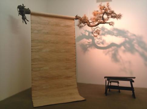《一棵松》,郭工,装置作品,180×150×500cm,2013
