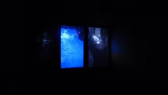 冯冰伊 《再见,米斯瑞》四屏幕影像装置 屏幕尺寸可变 2014