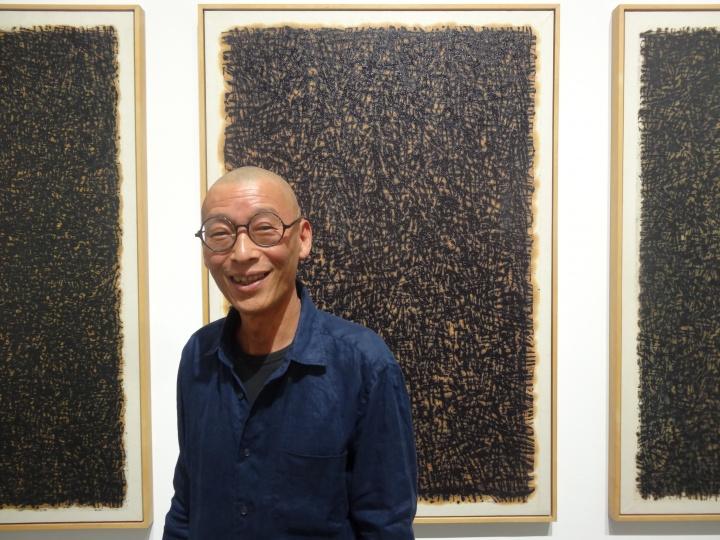 """在香格纳北京于6月14号开幕的个展""""黑白惑""""上,申凡展出了他创作于上世纪90年代的作品"""