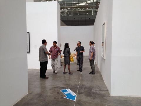 许多艺术人士来到了遥远的新疆观展