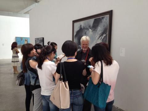 """国际艺术家以及艺术作品成了这次双年展的""""主角"""""""