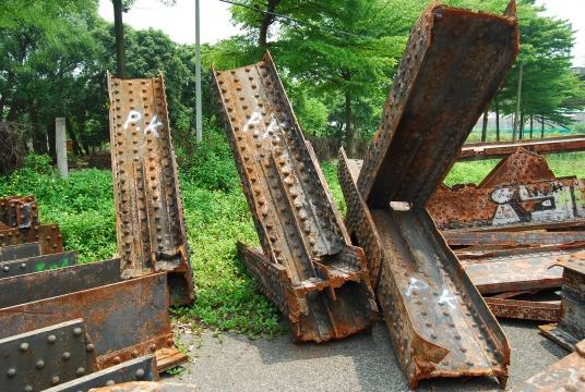 埃菲尔铁桥的铁块运抵广东顺德