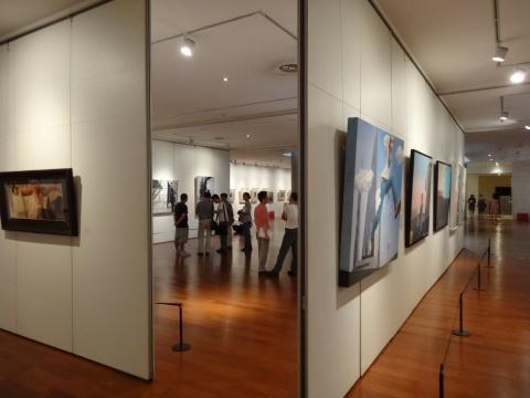 由于参展艺术家众多因此展览体量颇大