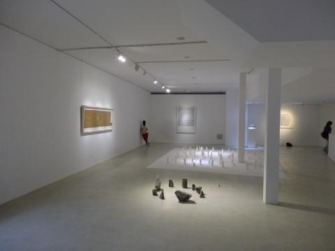 展厅的二层空间陈列了两组文豪的装置作品。王静表示,这一主题的展览将会持续的推动下去