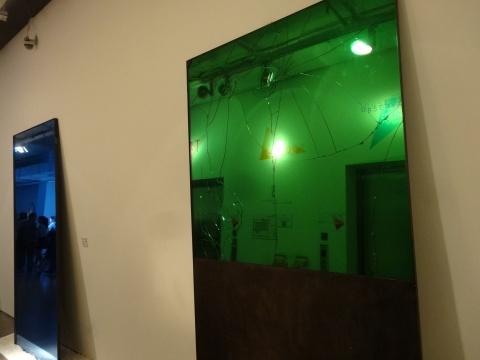 "UNMASK为展览量身定制的镜子""装饰中的修辞"""