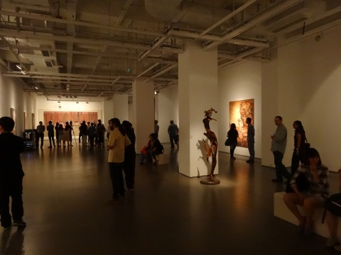 AAC巡展正是想要呈现出当代艺术在当下的这种五花八门、种类繁多的缤纷状态