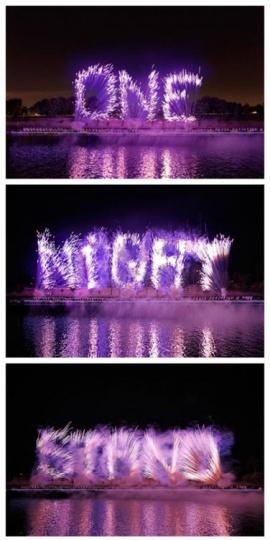 """2013年10月5日晚,作为法国巴黎白夜艺术节的一部分,蔡国强献上了其焰火新作""""一夜情"""",这是老蔡给法国人带来的一剂春药和催情剂"""