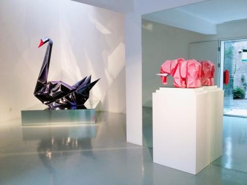 第一展厅的《黑天鹅》与《小象》