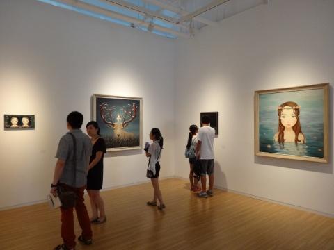 在展览正式开始的时间点前,展厅雅致而安静的空间
