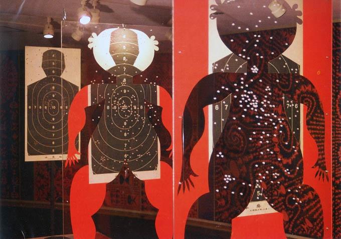 """1995年,东京世田谷美术馆""""亚洲第四届美术展"""",作品《替身》,装置、行为。"""