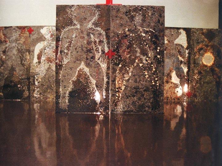 """1994年,日本福冈美术馆""""第四届亚洲美术展"""",作品《盛世太平》。"""