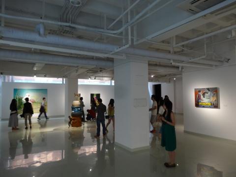 无论是架上绘画、雕塑作品还是空间装置,都将上舍空间的展厅利用得恰到好处