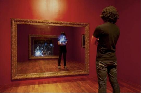 李庸白2011年创作的《BrokenMirror》也在此次展览中出现,该作品为昊美术馆藏品