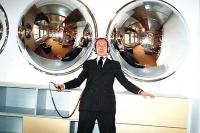 前拍卖公司主席Simon de Pury回归艺术界,艾未未