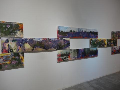 除了直观的重现外,经过王友身的清洗制成的作品也在展览之列