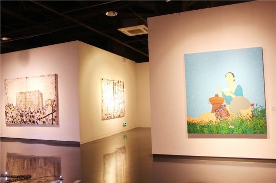 右边:陈飞2012年作品《北方》。