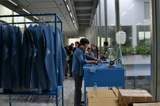 台湾艺术家黄博志作品《生产线》。