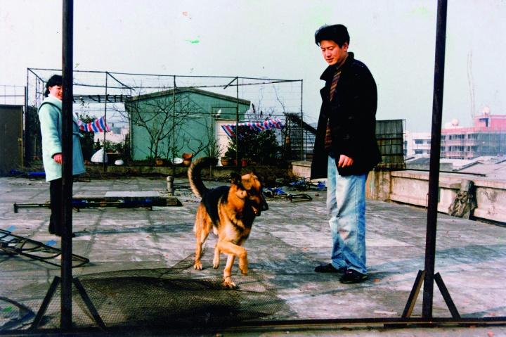 1996年左右,周老师和黑根在沙子堰小区顶楼