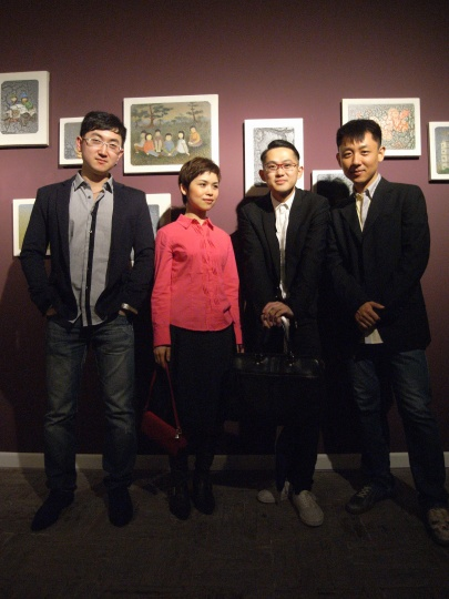2010年星空间个展开幕时,陈可与星空间的好朋友们合影
