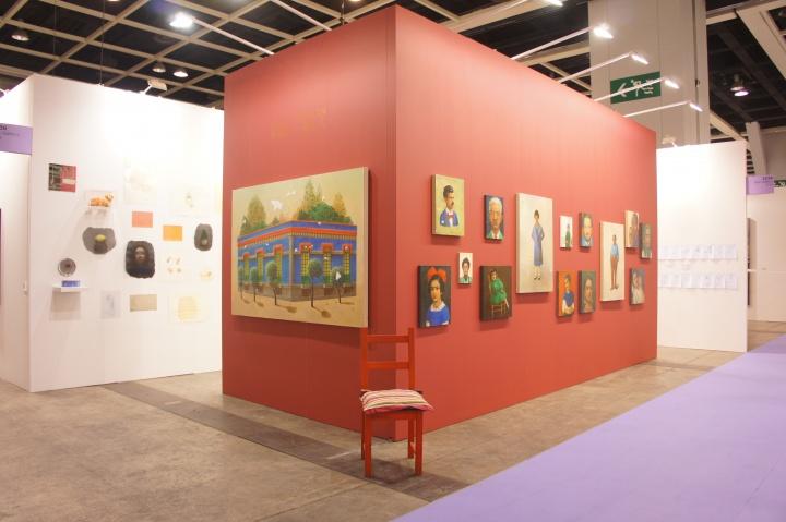 """2013年香港博览会中陈可的艺术项目""""一个女人""""现场"""