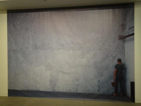 王光乐的喷绘作品《墙》