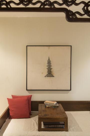 季大纯的《塔》是他早期代表作,曾刊登在当年《美术文献》封面