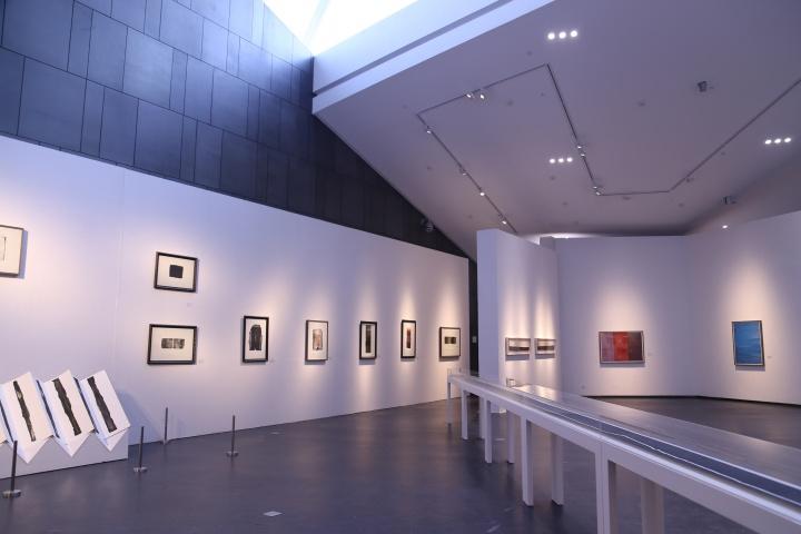 """""""线索——谭平1984-2014"""" 展览现场"""