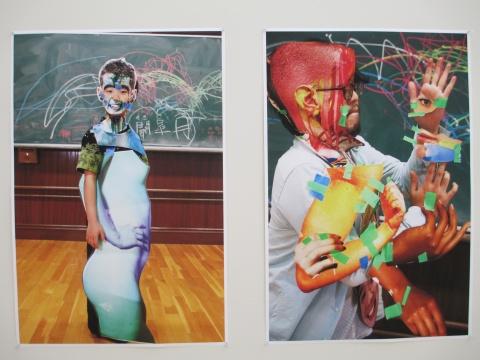 来到日本,因为不知从何开始,Herring把之前的作品打印出来,向观者呈现
