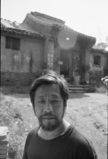 艺术批评家栗宪庭,1991年8月,北京