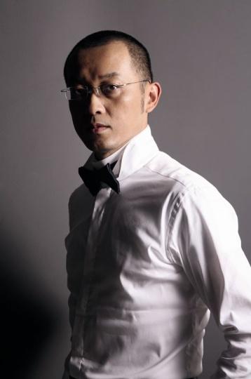 艺术家冯梦波