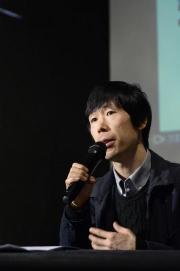 策展人、制作人,现为 OCAT 北京馆学术总监兼研究出版部主任董冰峰