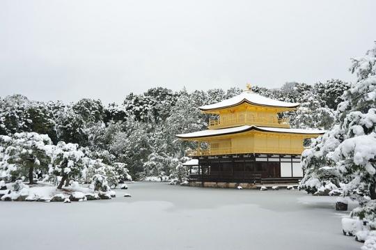 金阁寺雪景