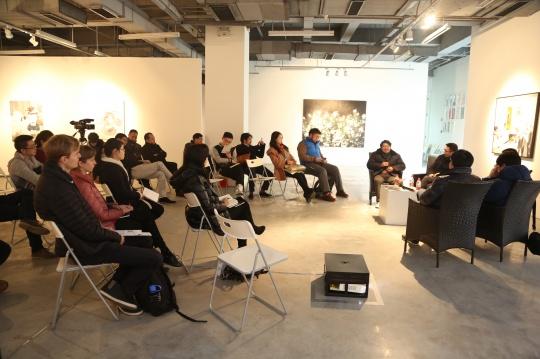 """绘画在当代""学术对话现场,Contemporary Painting Academic Dialogue Scene"
