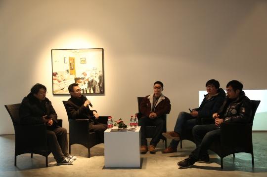 左起依次为:艺术家廖国核、学术主持鲁明军、《艺术界》杂志编辑宋轶、艺术家龚剑和吉磊