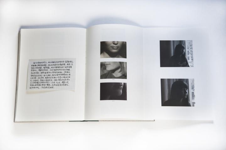 随着目光的深入,《在克拉科夫的十日》在老照片的指引下逐渐聚焦在特定个体