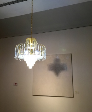 黄春风 《吊灯的影子写生》布面油画 155x155cm 2014