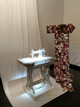 陈子君 《关于告别的练习》 缝纫机、刺绣  尺寸可变 2015
