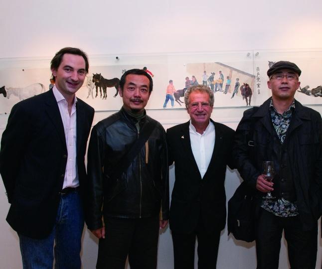 2009年10月29日,Hadrien、隋建国、Laurent Dassault、杨少斌在HDM画廊第一个开幕展现场