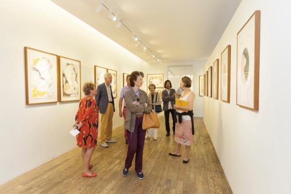 """2014年9月,HDM画廊展出名为""""黄段子""""的黄锐纸上作品"""