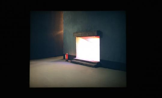 陈维 《入口》  150x187.5cm  灯箱/幻灯片 2013