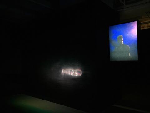 陈维 《前所未有的自由》 20x100x15cm  LED装置/LED屏幕  2014