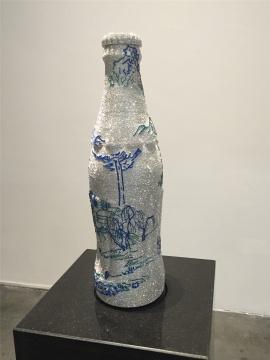 薛松装置《山水-可口可乐瓶A》