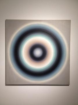 颜磊 《彩轮》 140×140cm 布面丙烯 2002