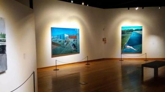 """塔希提美术馆""""游魂:向 高更 致敬——中国当代艺术展""""现场"""